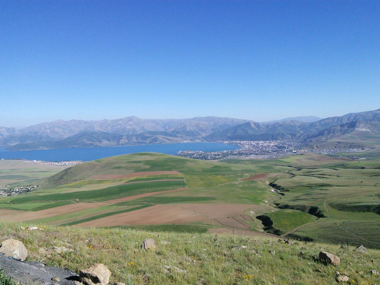 Tatvan and Lake Van