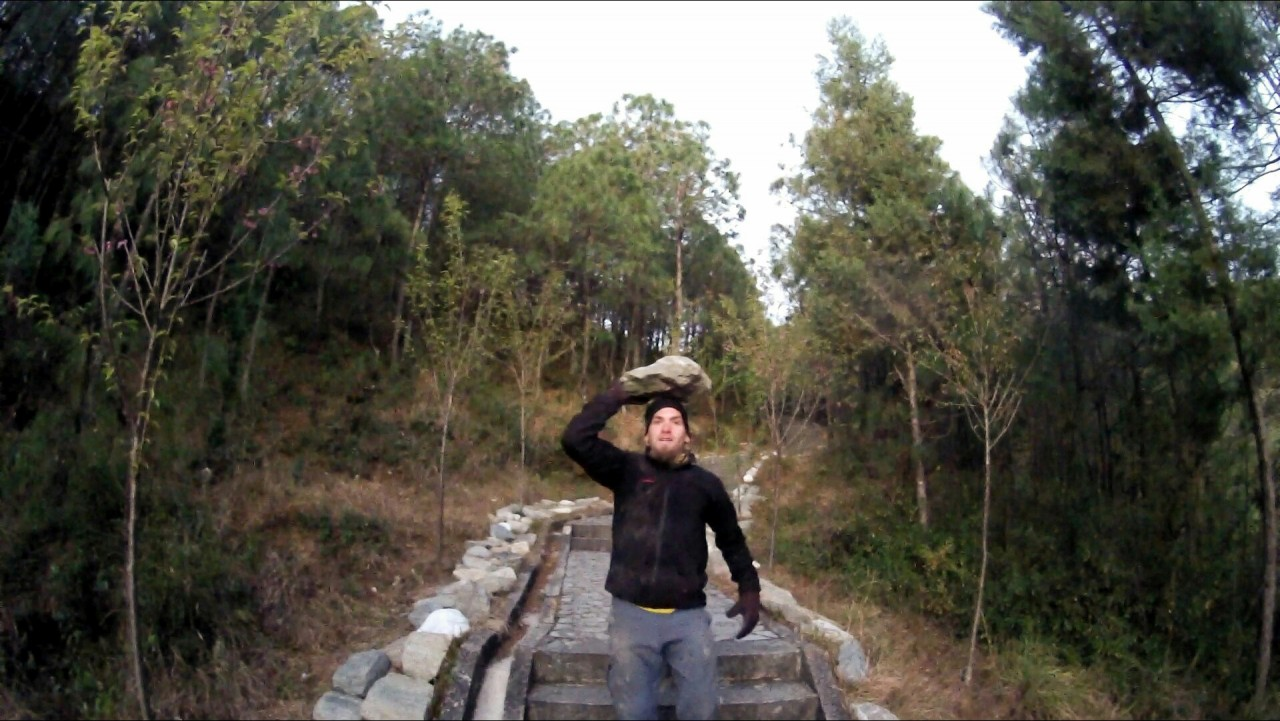 Wu Wei Si - Carrying Rocks